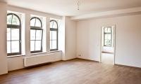 Wohnzimmeransicht - Zugang zu weiterem Zimmer